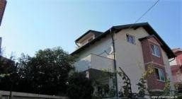 Gornji Bukovac, katnica sa tri stana, garažom i okućncom